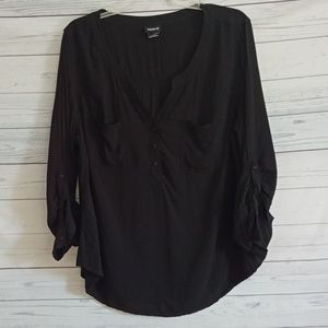 Torrid  lightweight v neck top sz 3 22/24